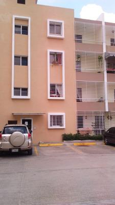 En Res. Alameda, Apartamento De 3 Habitaciones