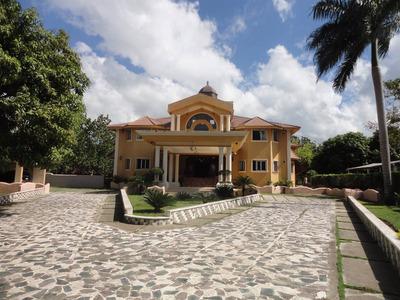 Amplia Y Hermosa Casa En Venta ,gurabo,santiago
